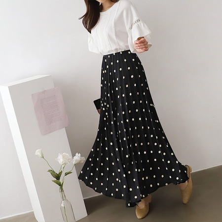 Wang Dot Pleated Long Skirt