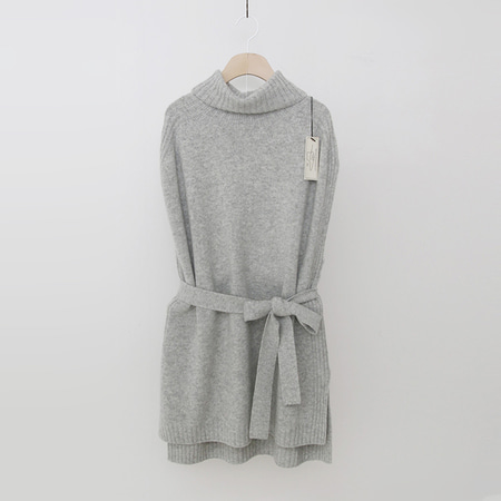 Laine Cashmere Wool Turtleneck Vest