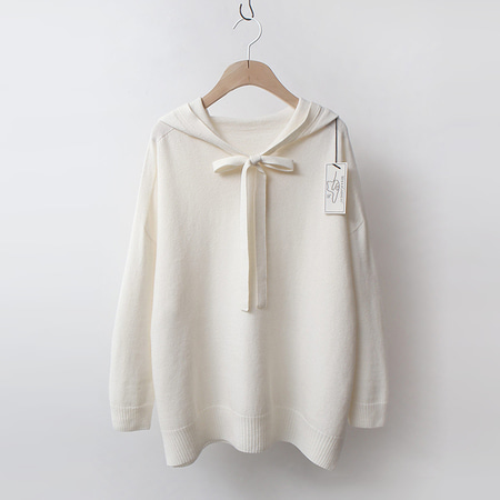 Strick Wool Tie Hood Sweater
