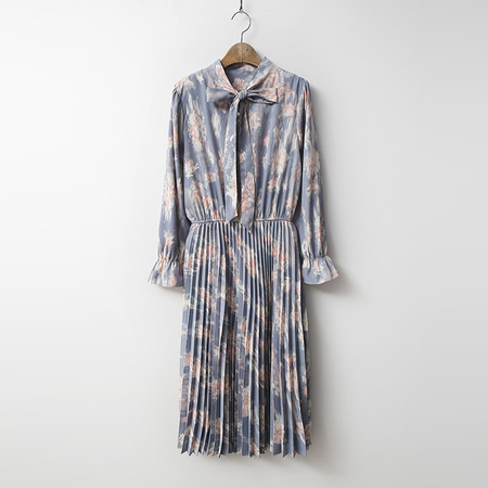 Art Print Tie Pleated Dress