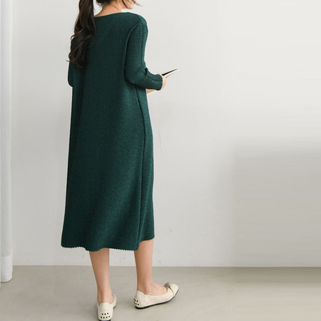 Pleats V-Neck Long Dress - 긴팔