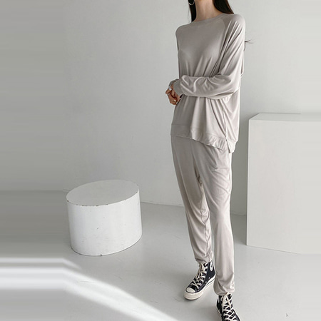 [Set] Feel Soft Sweatshirt + Jogger Pants